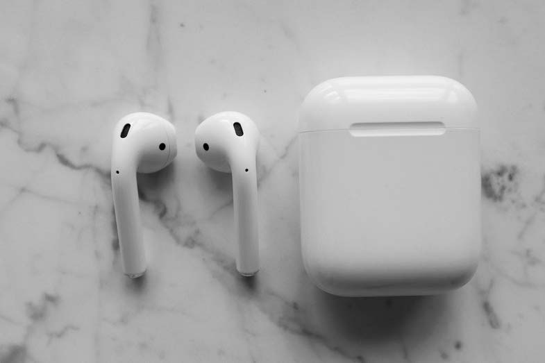 Closeup Photo of Apple Airpods