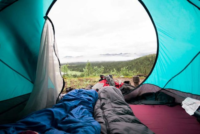 Sleeping Bag for Stomach Sleepers – Our Top 10 Picks